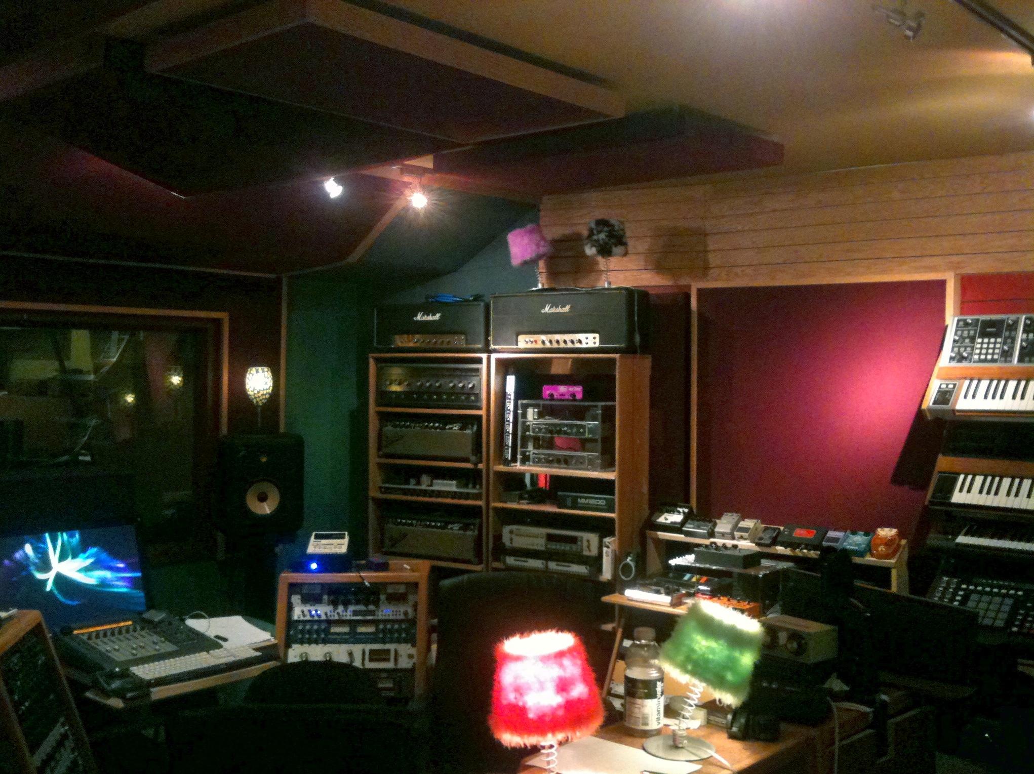studio 004.jpg