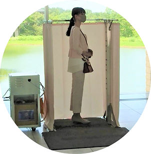 201116【画像】≪スリー・オブ・ディフェンス≫女性円形切り抜き.jpg