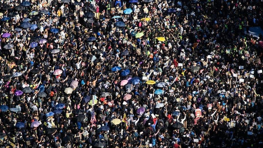 multitud.jpg