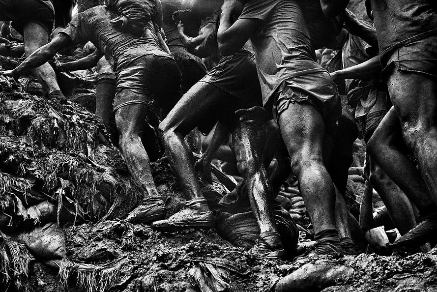 Sebastiao Salgado_Historical and leftover bodies.png