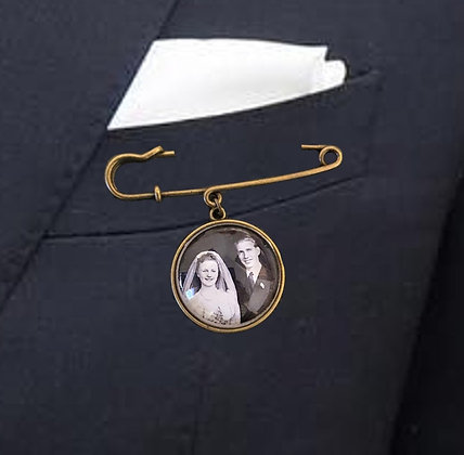Suit Pin with 1 Bronze Smooth Charm