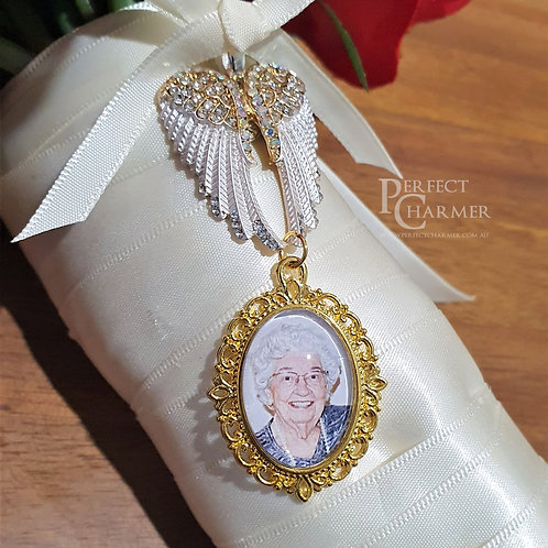 White & Gold Angel Wings Charm with Gold Filigree Small Oval