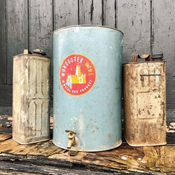 Oil cans just in. _Stelline L.B