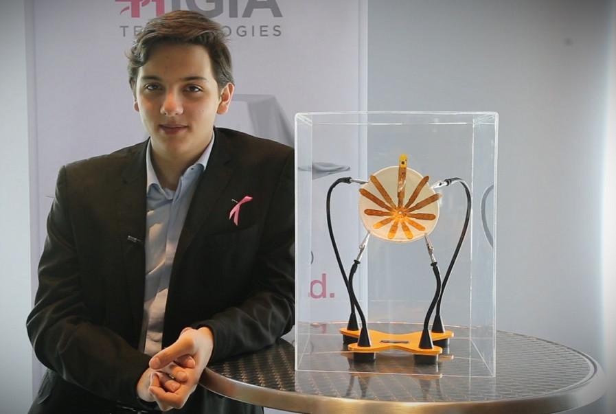 Presentación de EVA primer brasier para detectar precozmente el cáncer de mama.