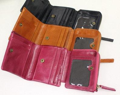 やわらか本革使用。小さい3つ折り財布