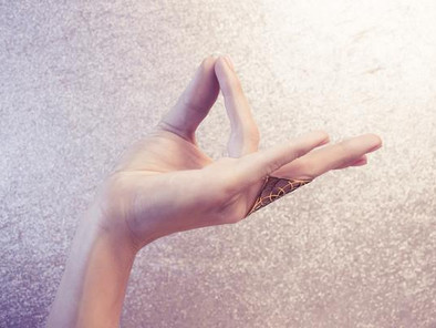 Prithvi Mudra: Learn About This Powerful Healing Power