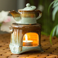 Delicately Handcrafted Pottery Ceramic Aroma Diffuser
