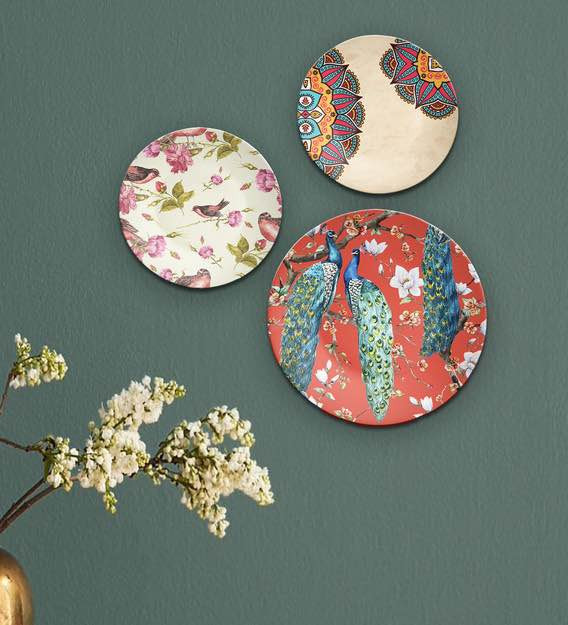 Appealing Wall Plates With Vibrant Colours To Freshen Up Dull Corners