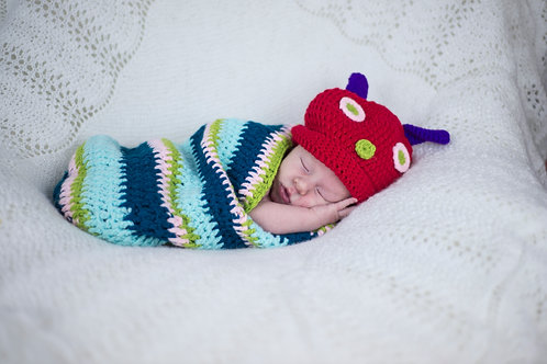 The Hungry Caterpillar Hat & Cocoon Baby Photography set
