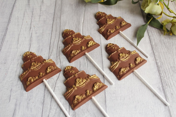 Belgian chocolate wedding cake favours and lollies