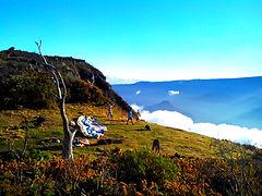 Decollage des parapentes pour le vol en parapente Le Maido avec Air Lagon Parapente Réunion