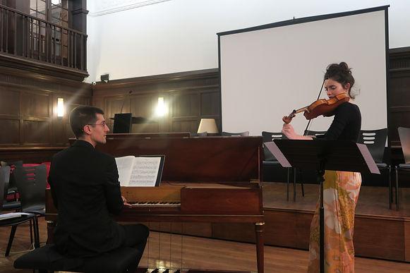 Avec Eloy Orzaiz pianoforte, Marta Ramirez violon et Clotilde Verwaerde musicologue