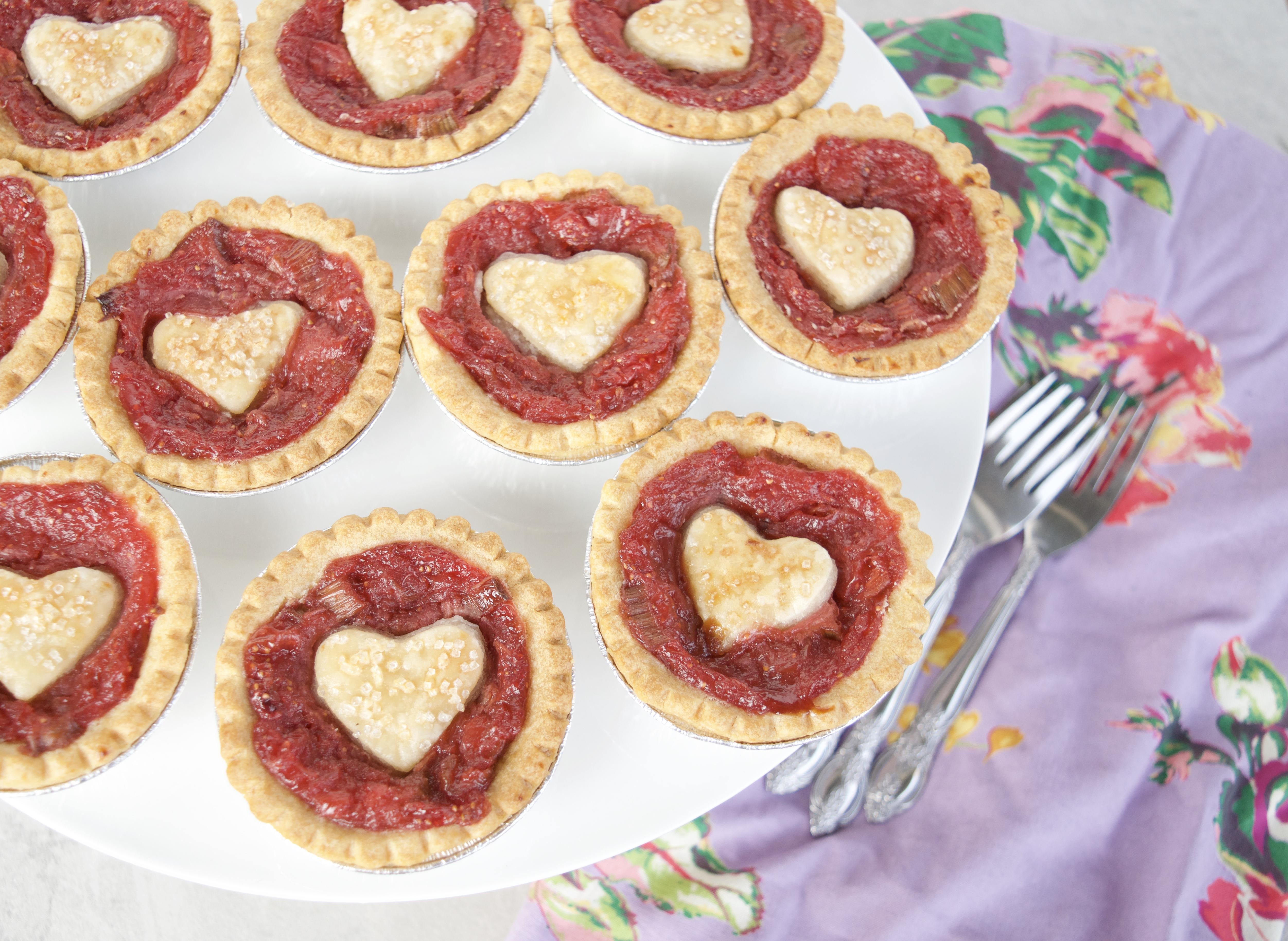 Strawberry rhubarb mini pies