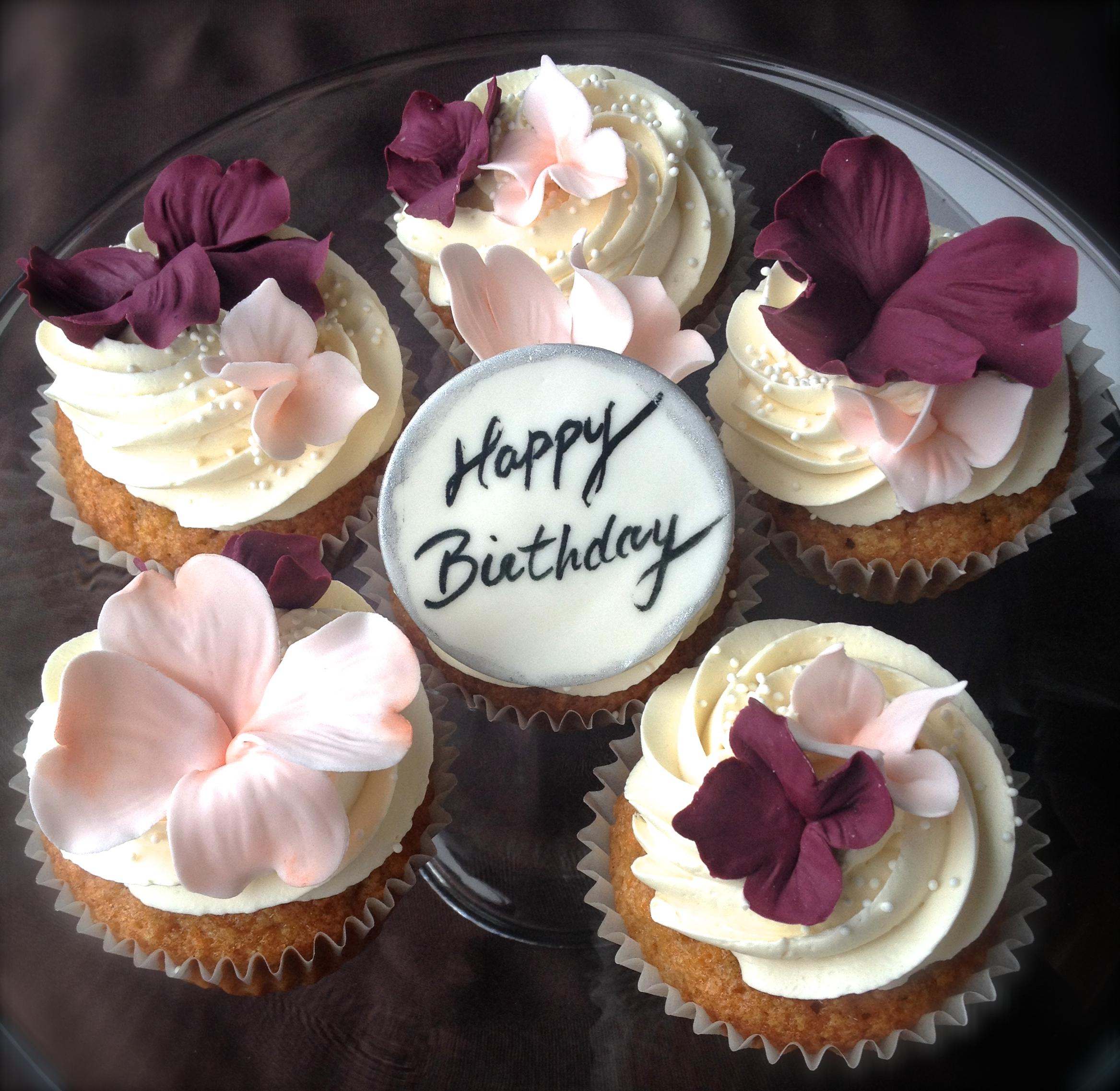 Carrot cupcakes & cream cheese