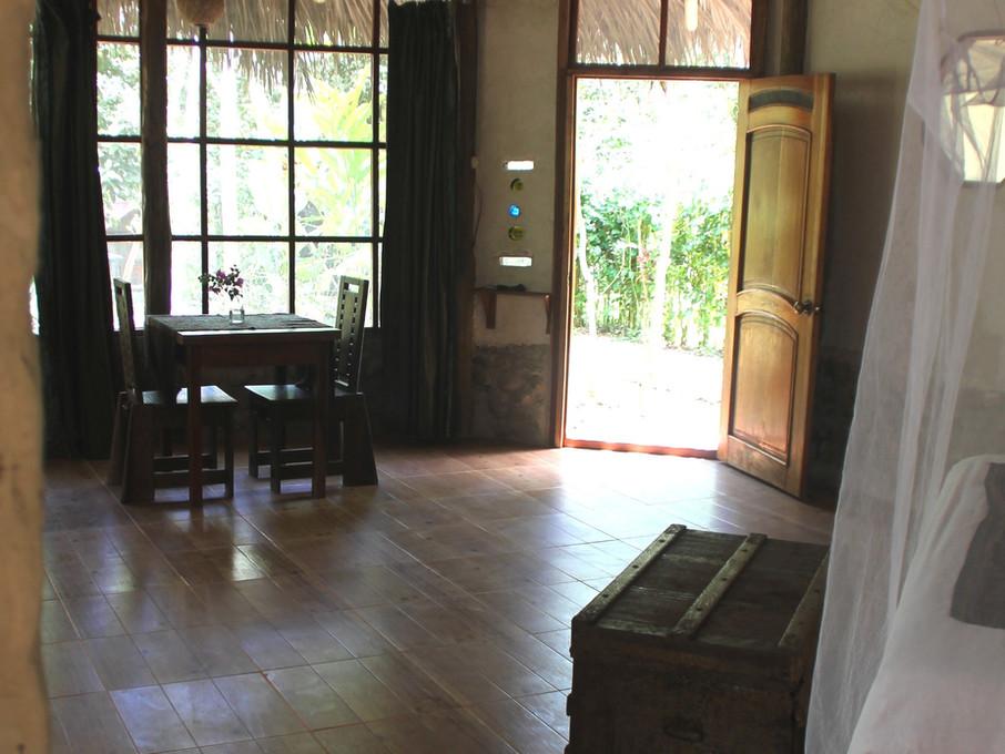 interior SUITE 2.jpg