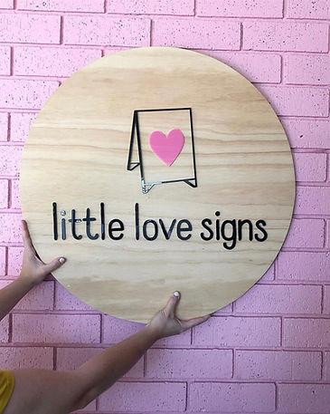 little love signs .jpeg