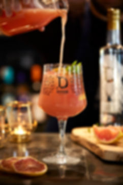 Gin 2 portrait pouring-72.jpg