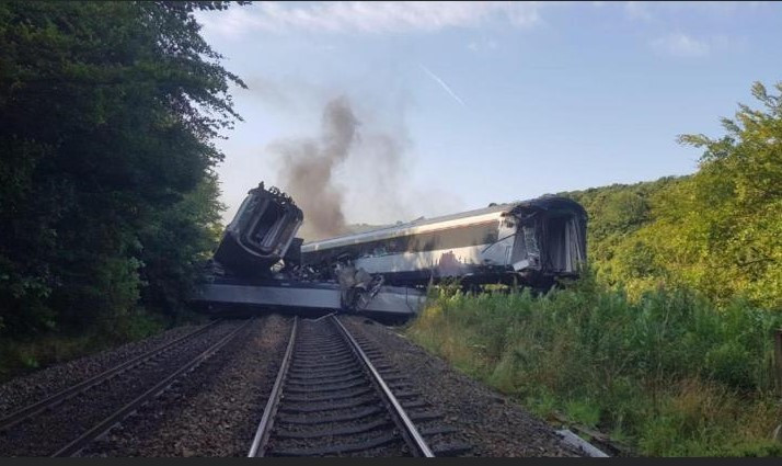 Train derailment photo 1 - Stonehaven, 12 Aug 2020