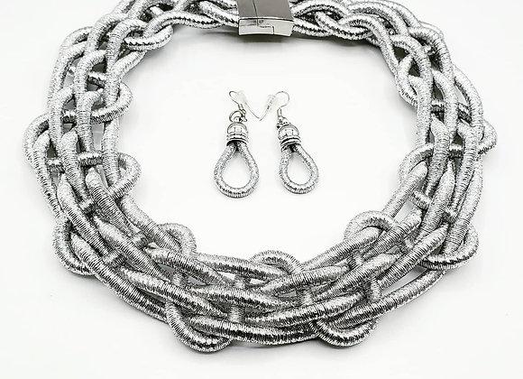 Silver Interlocking Metallic Necklace Set