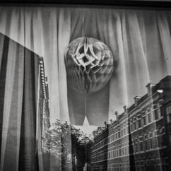 Boule dans la vitrine 1