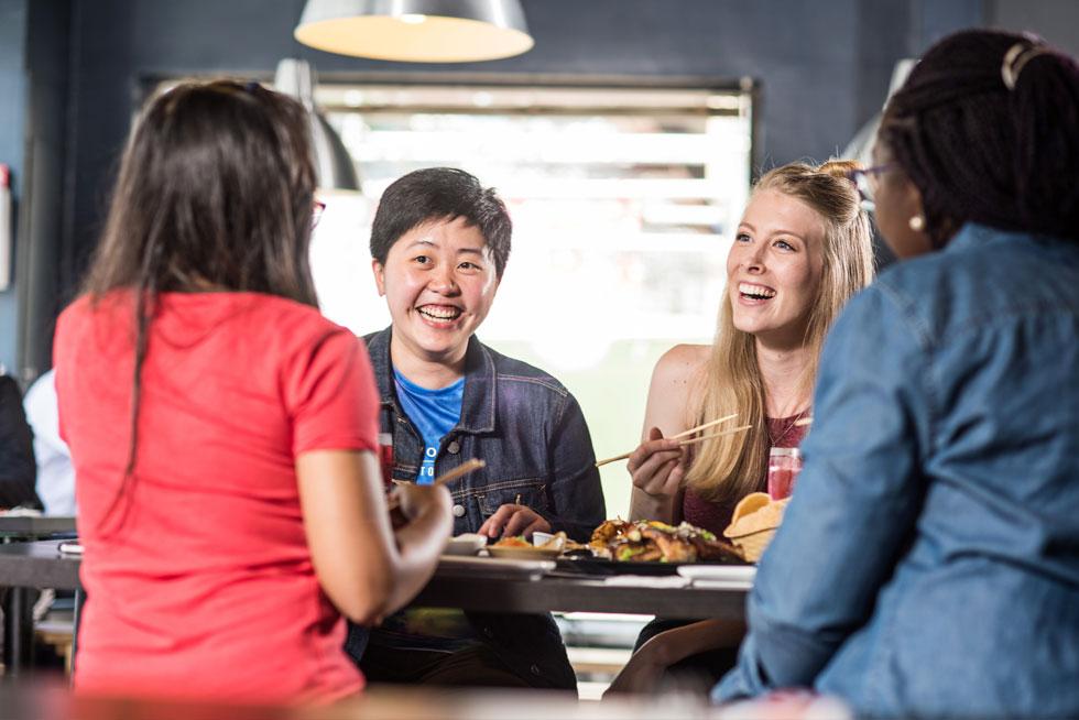 lifestyle-image-restaurant