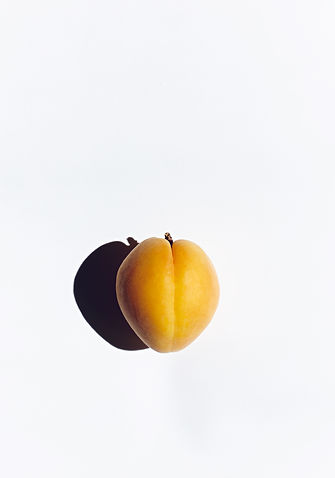 Kerstin Lakeberg, Stilllife, Stillleben, Stilllifephotographer, Fotograf, Berlin, Werbefotograf, Hamburg, Still-Fotograf, Werbung, ästhetisch, Food, Apricot, Fine Art