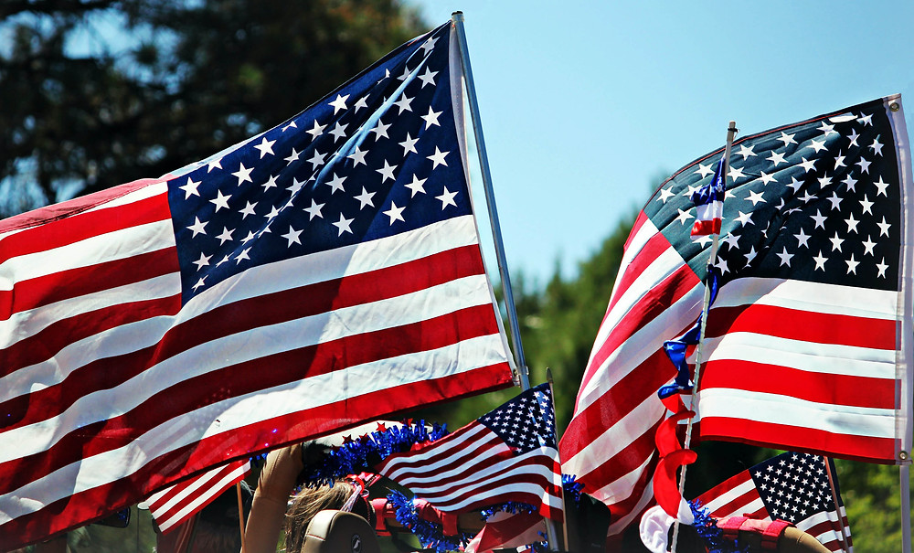 https://www.google.com/url?sa=i&url=https%3A%2F%2Fwww.agmeducation.com%2Fblog%2Fdia-de-la-independencia-en-usa-que-se-celebra-el-4-de-julio-agm-educacion%2F&psig=AOvVaw1NEfpN9Ct3rpRJ2e55F6JM&ust=1630083669824000&source=images&cd=vfe&ved=0CAsQjRxqFwoTCLDH7O6Uz_ICFQAAAAAdAAAAABAD