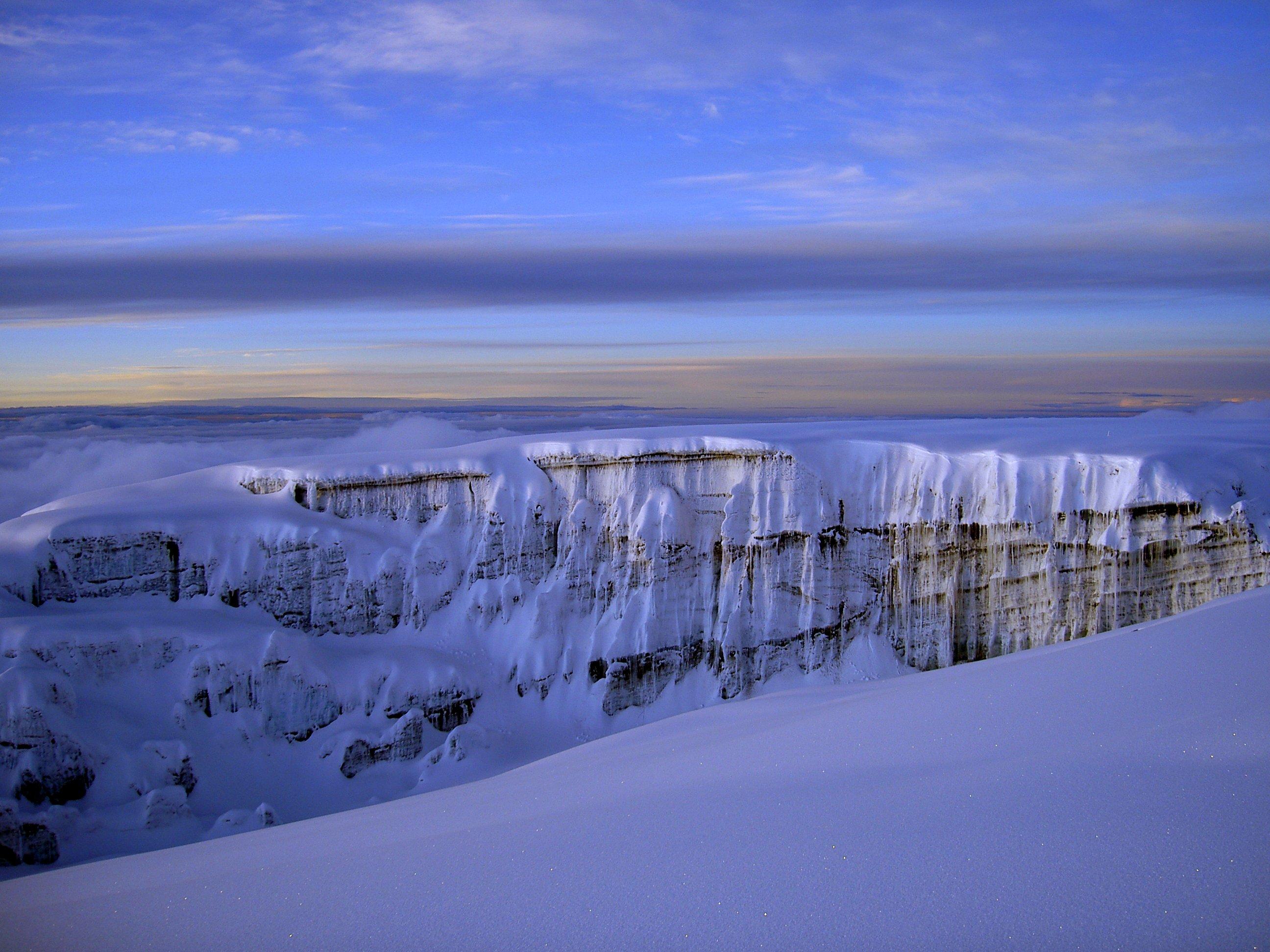Southern_Glacier_5800m_Mt._Kilimanjaro_2