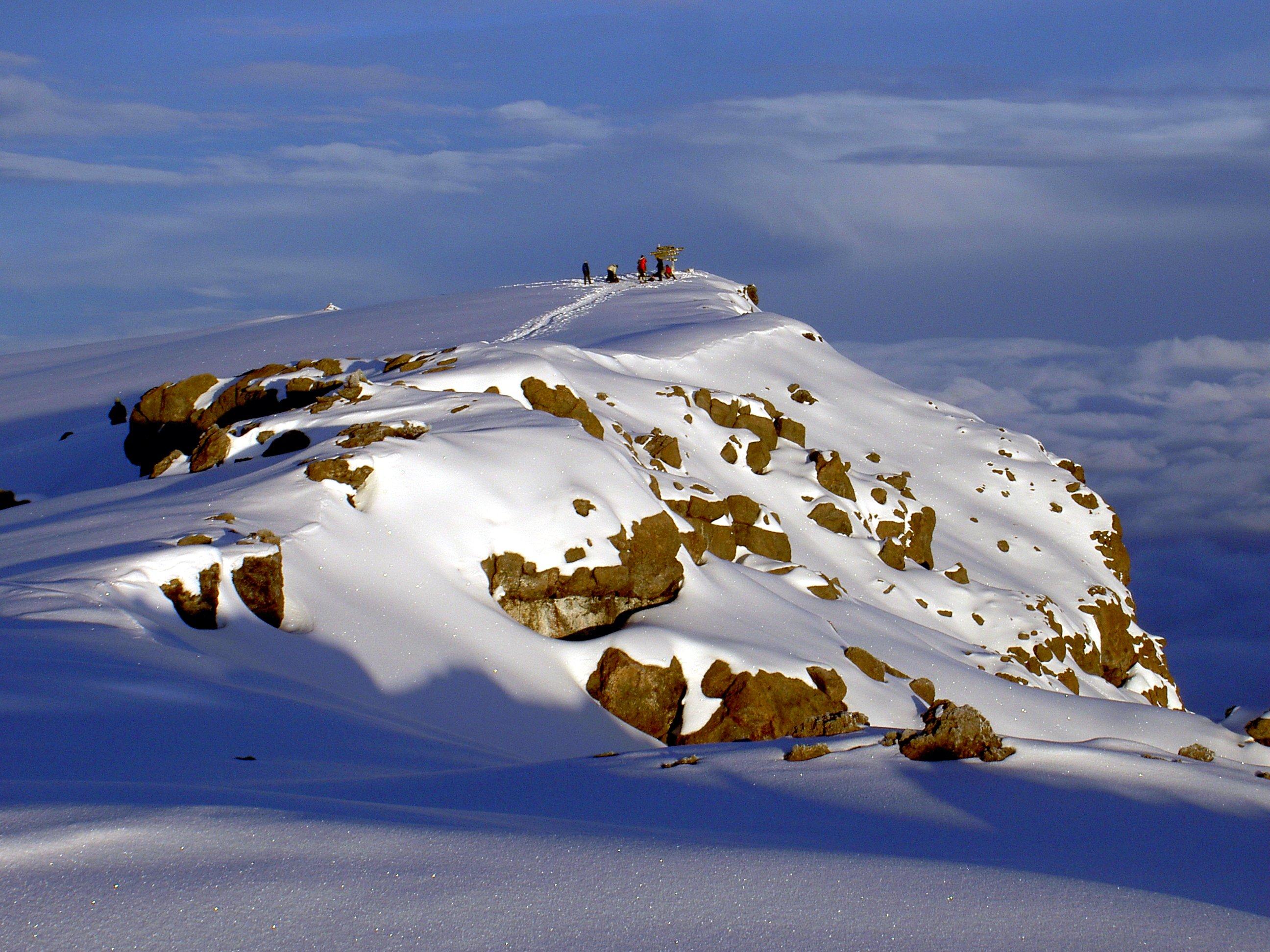 Uhuru_Peak_Mt._Kilimanjaro_1-4