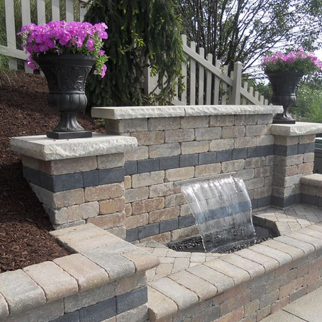 3 Tips for Buying a Retaining Wall Waterfall