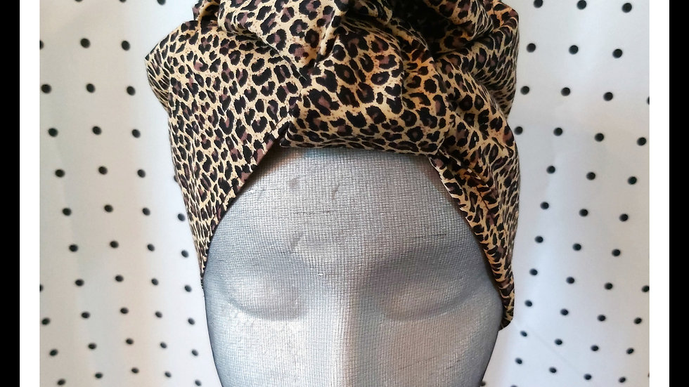 Leopard Cherry.T Wrap