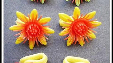 Vintage Plastic Flower earrings