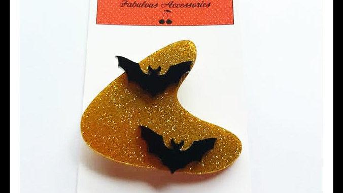 Retro Style Boomerang Bat Brooch