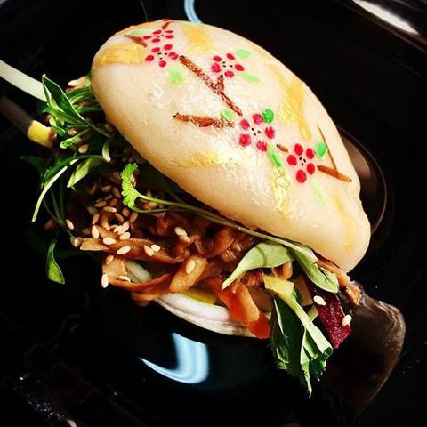 mushroom bao bun - vegan (specials)