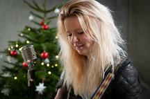 Singer-Song Writer Rikke Mølbæk