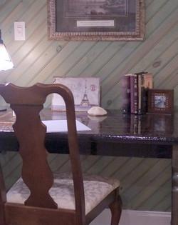 Desk/Writing Area