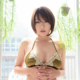 Model : 多田あさみ