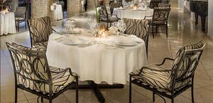 """Le restaurant """"Panorama"""" de l'hôtel """"Mille Collines"""", un art de vivre à la rwandaise"""