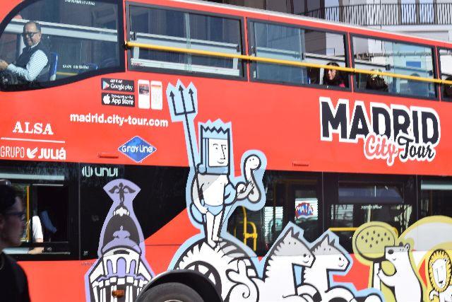 אוטובוס תיירים, hop on hop off