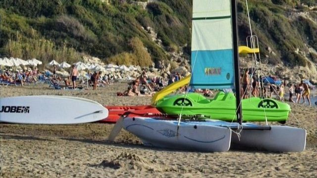 סירות להשכרה בחוף הים
