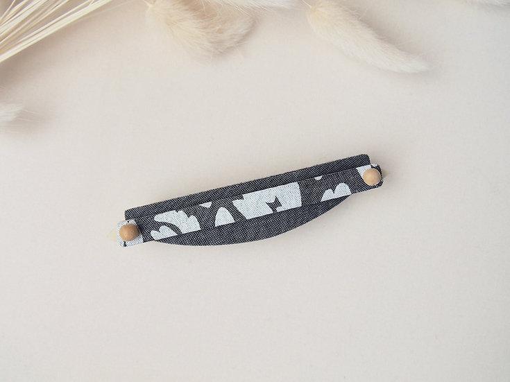 ufo barrette( long ) /  black chambray × wood beads