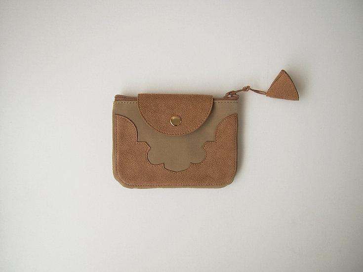 temple coin purse < camel >