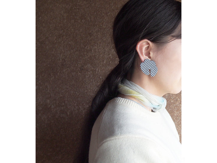 「 LEOPATCH ear accessory 」 ~ gingham check A ~ (片耳)
