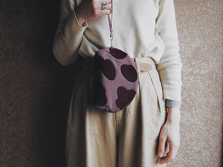 LEOPATCH CLUTCH BAG S-size < burgundy >