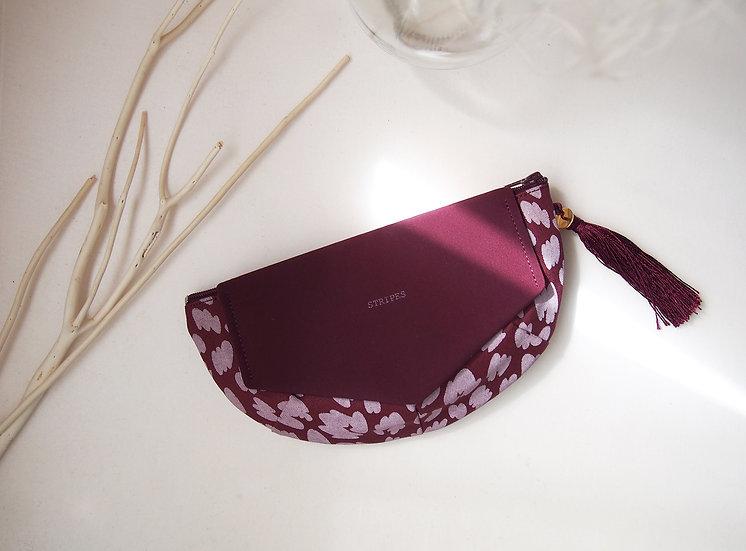 FLYING CLUTCH POUCH / burgundy