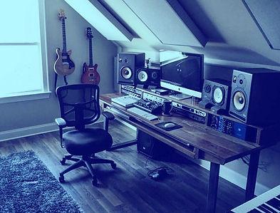 Studio-Monitor-Speaker_edited.jpg