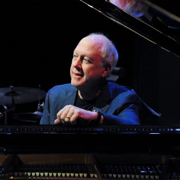 Bob Ravenscroft, piano