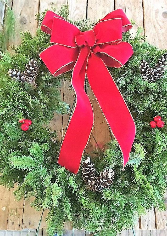 Williamsfield_garden_club_wreath.jpg