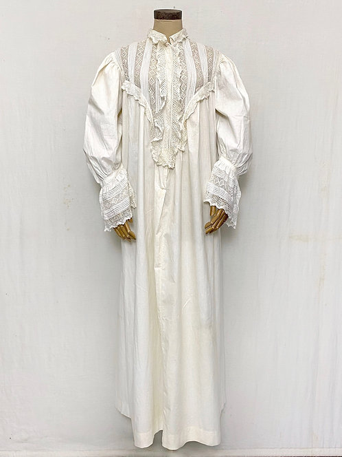 VINTAGE Victorian Nightgown