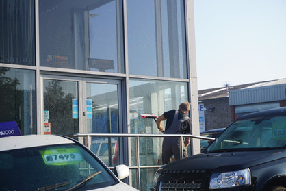 Regular commercial window cleaning